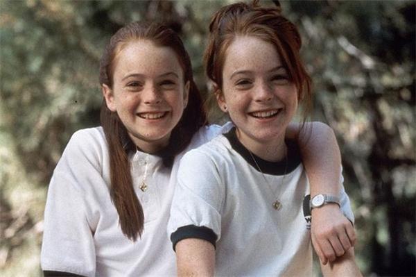 Một mình đóng vai chị em song sinh ở độ tuổi 11, ai cũng phải công nhận tài năng nở rộ của Lindsay.