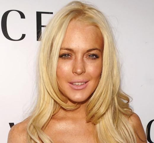 2009, ai nấy đều ngỡ ngàng không tin nổi trước nhan sắc của Lindsay, sau nhiều năm dài tiệc tùng thâu đêm suốt sáng và lạm dụng phẫu thuật thẩm mỹ.