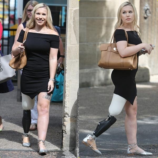 Khiếm khuyết cơ thể không khiến cô gái này bớt xinh đẹp và nóng bỏng!
