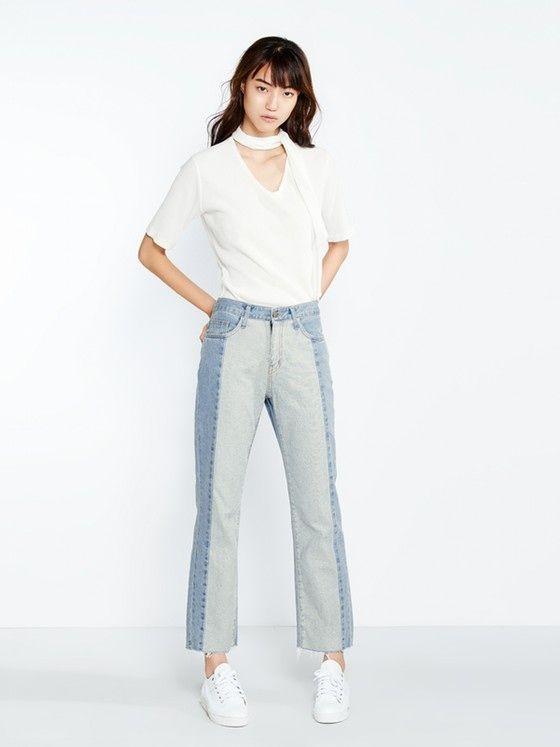 """Dành cho những cô nàng muốn """"nổi loạn""""một cách chừng mực, thiết kế là sự kết hợp tinh tế của hai màu jeans nhạt cơ bản."""