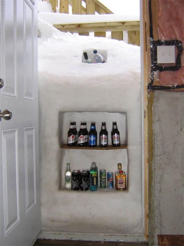 Sân nhà ngập tuyết, không biến nó thành cái tủ lạnh thì thật phí của giời.