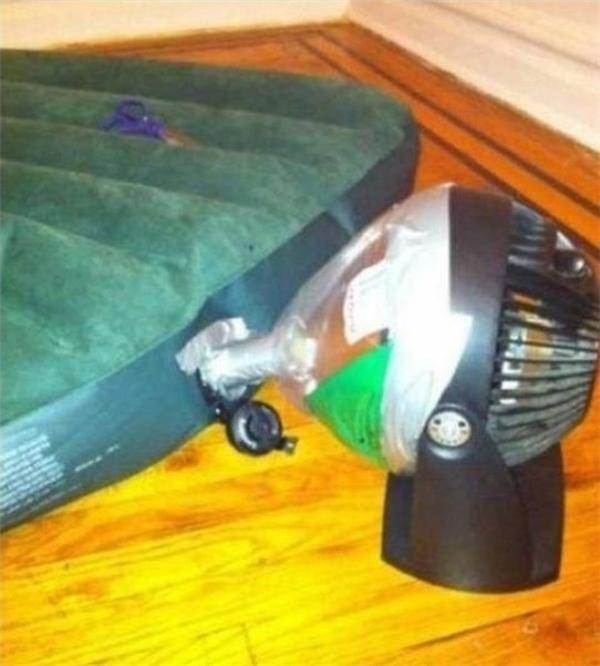 Cách bơm một cái nệm hơi.