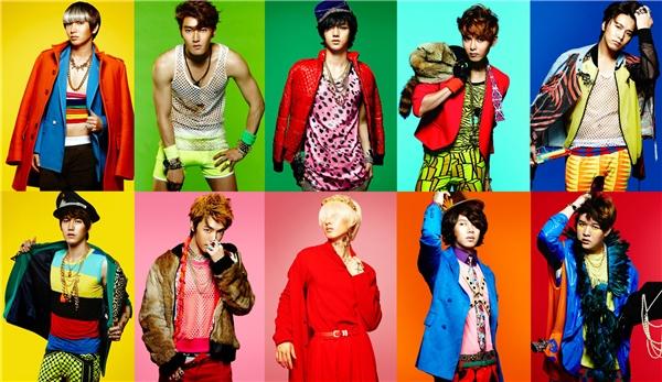 Loạt ảnh nhá hàng cho album Mr. Simple của Super Junior là một trong những kí ức các fan muốn xóa đi nhất mỗi khi nhắc đến thời trang của nhóm.