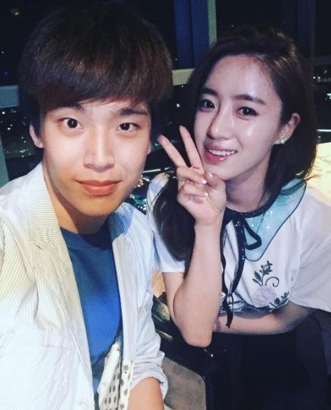 Là bác sĩ thú y nên dĩ nhiên anh chàng rất yêu động vật, bên cạnh đó Neng còn có sởthích chụp ảnh và du lịch. Neng cũngthích nghe nhạc, nhất là Kpop, anh chàng còn khá thân với Dara của 2NE1 và quen biết Eun Jung của T-ara.