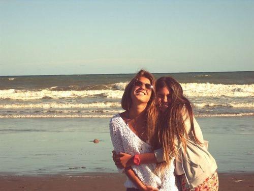 #1 Tình bạn được xây dựng trong độ tuổi từ 16 đến 28 thường bền vững và kéo dài hơn.(Ảnh: Internet)