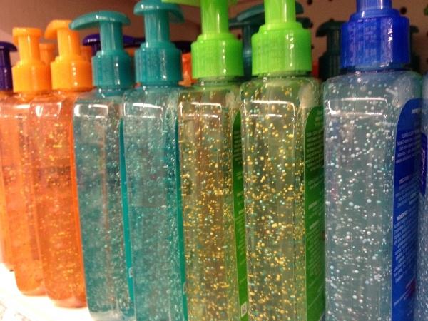 Tỉ lệ hạt vi nhựa trong mỗi sản phẩm đềukhác nhau. (Ảnh: internet)