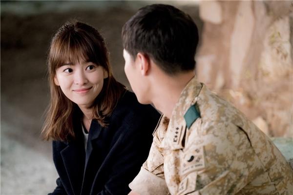 """Mĩ nhân """"đẹp không cần dao kéo"""" thi nhau thống trị màn ảnh Hàn"""