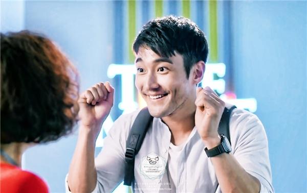 KIm Shyn Hyuk làm đủ trò vì yêu nhưng mang trên mình nội tâm sâu sắc của một nhà văn. (Ảnh: Internet)