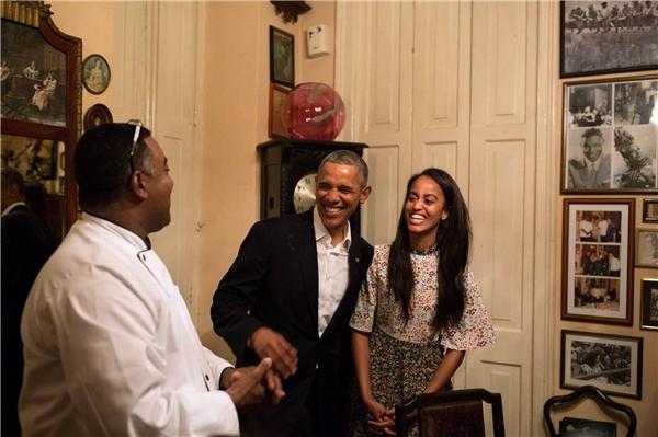 Malia trở thành phiên dịch viên cho Tổng thống Obama.