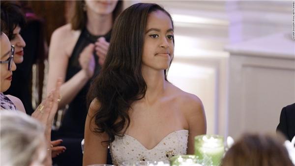 Càng lớn Malia càng xinh đẹp và tài năng.