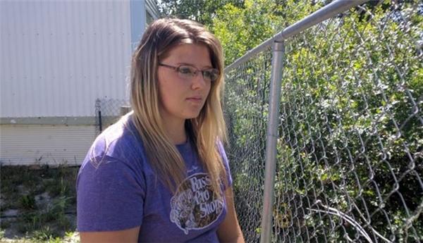Cô gái 19 tuổi Shayla Wigginsvô tìnhphát hiện một xác chết đang trôi lềnh bềnh dưới nước trong khi đi bắt Pokémon ở một con sông tại Wyoming, nước Mỹ.