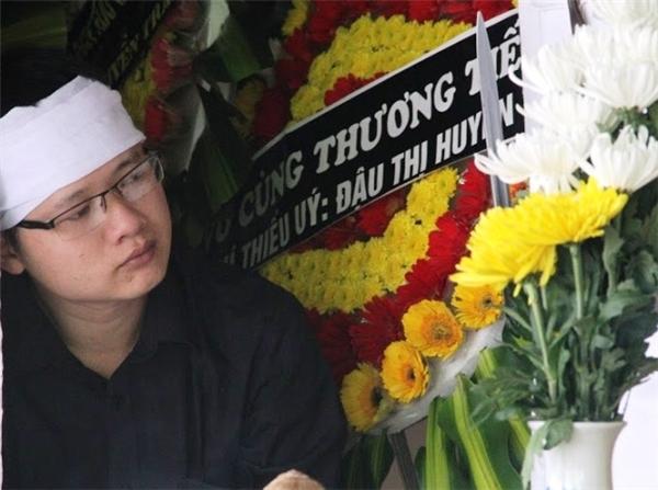 Đám tang đẫm nước mắt của người mẹ nhường mạng sống quý giá cho con