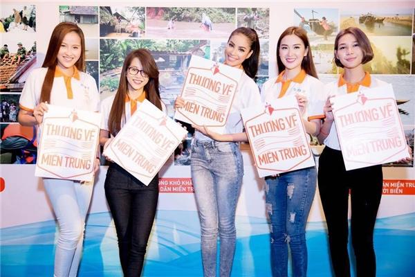Mới đây Phạm Hương cũng cùng các thành viên đồng hành trong một dự án từ thiện. - Tin sao Viet - Tin tuc sao Viet - Scandal sao Viet - Tin tuc cua Sao - Tin cua Sao