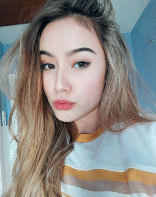 Chỉ mới 16 tuổi, nhưng bông hồng lai Đức - Việt này đã xinh đẹp và quyến rũ khó cưỡng!