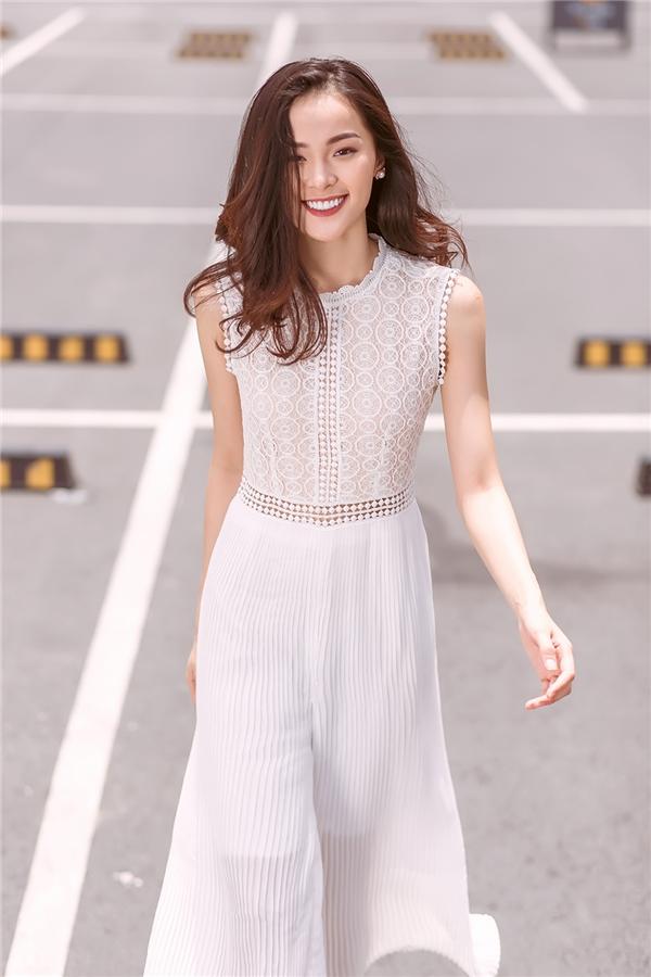 Kết quả hình ảnh cho váy ren trắng mỏng