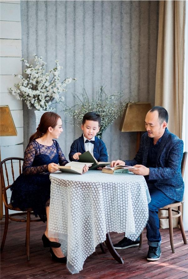 Có thể nói, gia đình Thu Trang - Tiến Luật là một trong những gia đình nghệ sĩ đáng yêu nhất nhì showbiz Việt hiện tại. - Tin sao Viet - Tin tuc sao Viet - Scandal sao Viet - Tin tuc cua Sao - Tin cua Sao