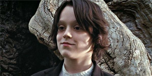 Benedict Clarke - cậu bé vào vai Severus Snape lúc nhỏ.(Ảnh: Internet)