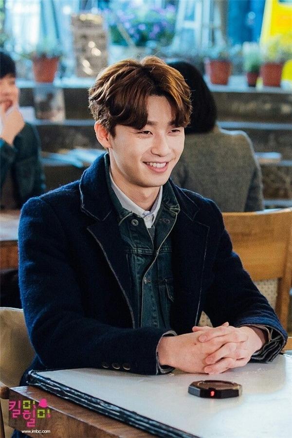Vai diễn Oh Ri On và Ji Sung Joon đã hoàn toàn giúp anh có thể tỏa sáng dù ở vai trò nam chính hay nam thứ.(Ảnh: Internet)