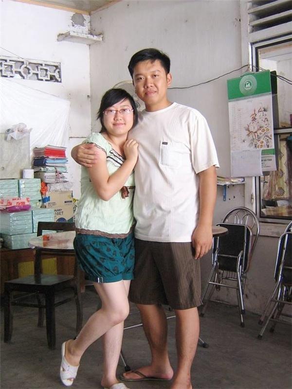 Tấm ảnh ngày còn hạnh phúc tràn trề củachị Trâm chụp chung với anh trai.