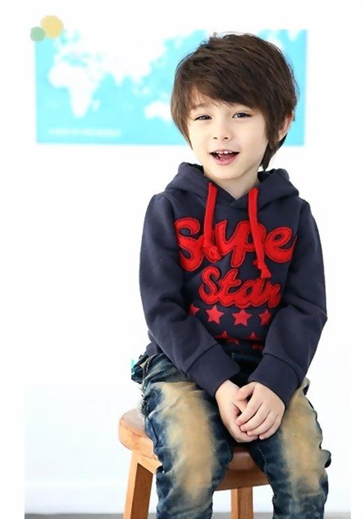 Ngay từ nhỏ, nhóc tì đáng yêu nàyđã được nhiều chương trình quảng cáo và thương hiệu thời trang săn đón.