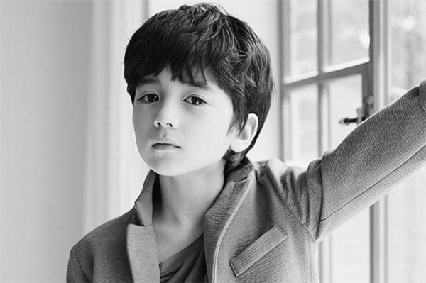 Dự cậu bé sẽ là gương mặt sáng giá làng giải trí Hàn Quốc sau này.
