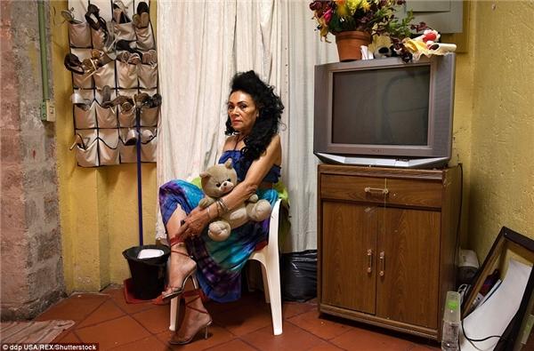 Norma Angelicatìm đến trung tâmCasaXochiquetzal khi bà không thể tự nuôi mình được nữa.