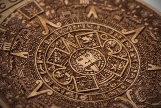 Bộ lịch của người Maya kết thúc vào năm 2012 khiến nhiều người tin rằng thế giới cũng sẽ tuyệt diệt đồng thời.
