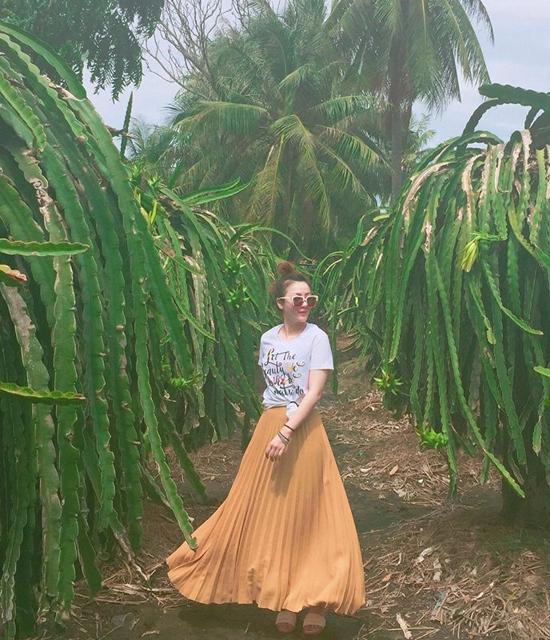 Bỏ túi bí kíp diện đồ đối lập phong cách của Lan Khuê, Phạm Hương