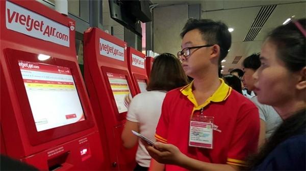 Hành khách phải check-in bằng tay. (Ảnh: internet)