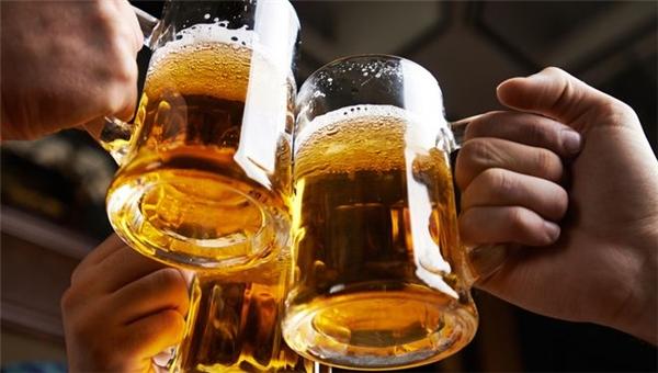 Rượu bia sẽ làm giảm khả năng tự điều khiển và cân bằng cơ thể khi thực hiện các động tác gym.