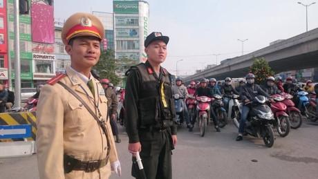 Từ ngày mai (1/8), cảnh sát cơ động TP.Hà Nội sẽ tập trung xử lý các đối tượng xăm trổ, ngổ ngáo cố tình vi phạm luật giao thông