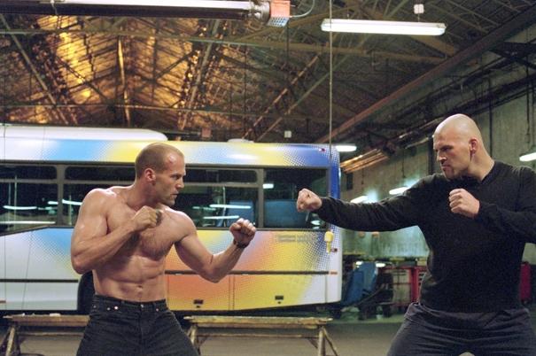 Jason Stathamtự mình thực hiện tất cả các cảnh chiến đấu và mạo hiểm trong phim.