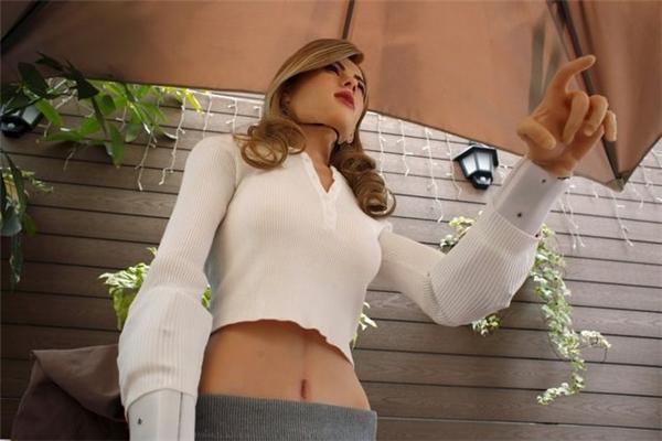 Robot người lớn này được dựa trên nguyên mẫu là nữ diễn viên Scarlett Johansson.