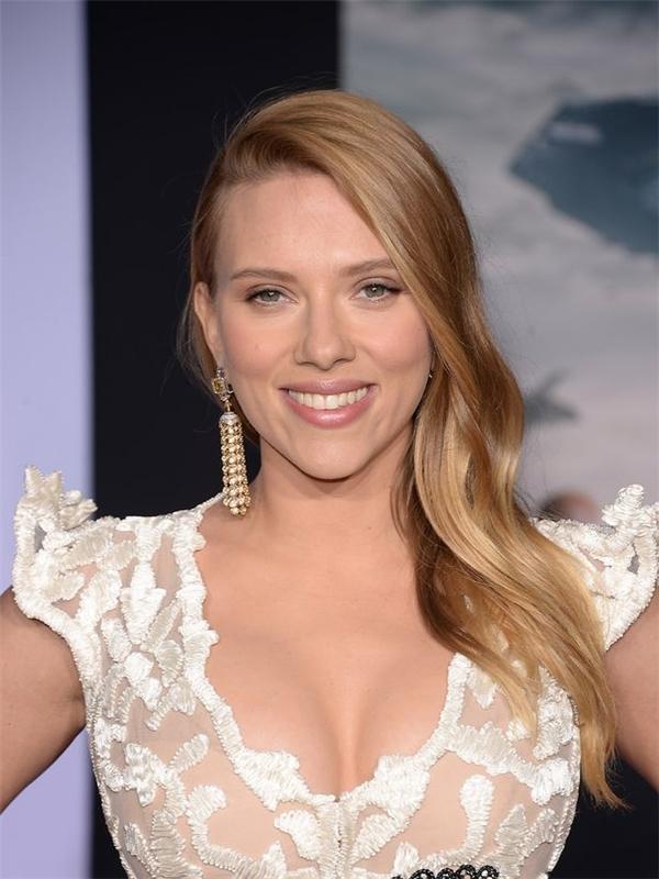 Nhan sắc nữ diễn viên Scarlett Johansson.