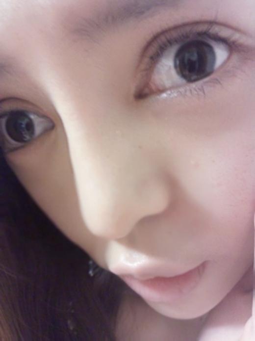 Không được khen dễ thương, cô gái phá tan khuôn mặt