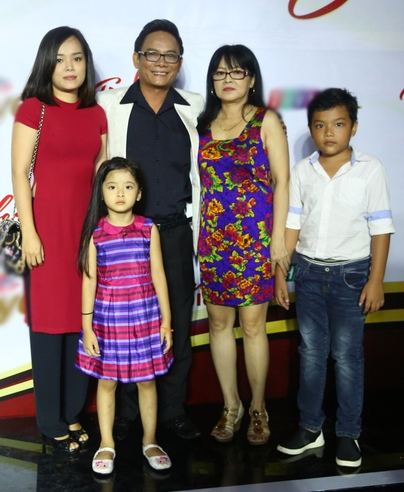 Gia đình nam diễn viên thoại kịch nổi tiếng - Tấn Hoàng.