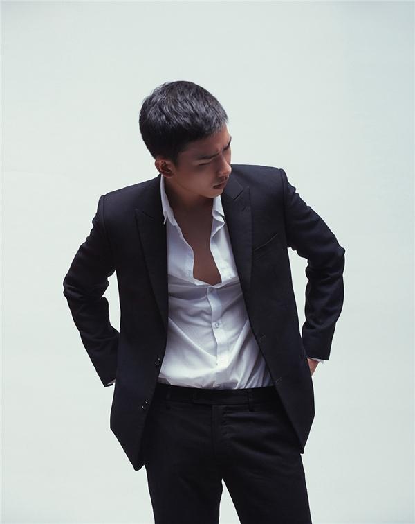 Trong tháng 8 này, một dự án khác của Võ Cảnh sẽ tiếp tục được bấm máy. Trong phim, nam người mẫuhoá thân thành một chàng sinh viên đẹp trai, tài năng, lạnh lùng nhưng lại mang trong mình tình cảm đầy sâu lắng và mạnh mẽ.