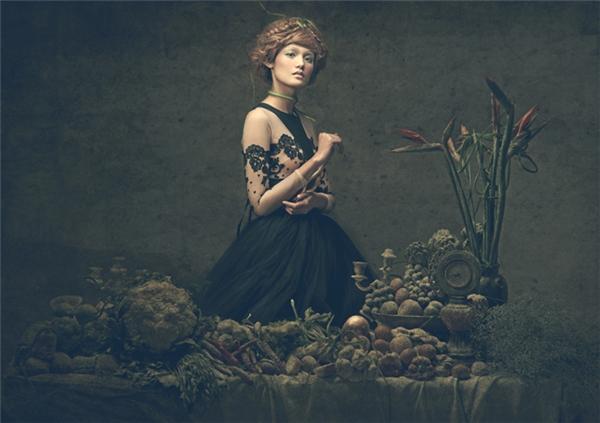 Hàng trăm con rắn lục, kì đà, ếch, nhái cũng khiến các cô gái một phen khiếp vía trong buổi chụp ảnh mang tinh thần thời trang cổ điển.