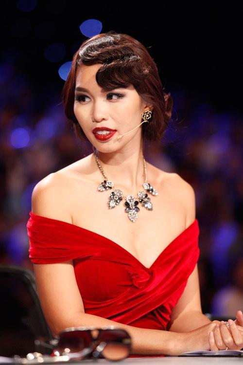 Phát ngôn HLV The Face chưa là gì so với giám khảo Next Top Model