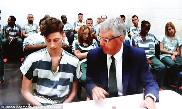 Ivanov khai hắn mua một khẩu Ruger A-15 bán tự động một tuần trước khi gây án.(Ảnh: DailyMail)