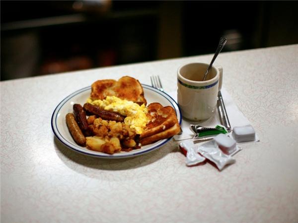 Mỹ - Mỗi bang có một lốiăn sáng rất khác nhau nhưng trứng, khoai tây, thịt xông khói và xúc xích hoặc là bộ ba chung