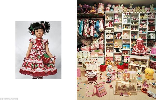 Kaya, 4 tuổi, Tokyo, Nhật Bản: Cô công chúa ngoài đời thực với bộ sưu tập áo váy lên đến hàng trăm bộ. Phòng ngủ của Kaya được chất đầy búp bê, đồ chơi và những hộp quà lớn nhỏ. Cô bé mong muốn trở thành một nhà làm phim hoạt hình khi trưởng thành.