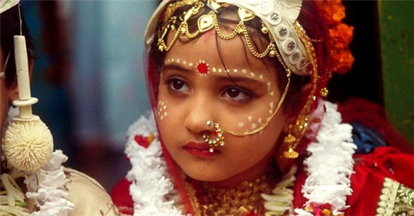 Các cô bé bị ép thành hôn ở trước ngưỡng tuổi 18, thậm chí một số kết hôn khi chỉ mới 6-8 tuổi.