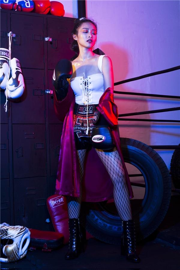 Hot girl boxing Khả Ngân nói gì trước nghi vấn bơm ngực, gọt mặt?