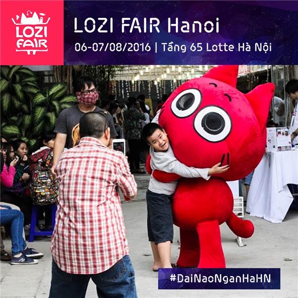 Giới trẻ nóng lòng chờ đón ngày diễn ra hội chợ cao nhất Hà Nội
