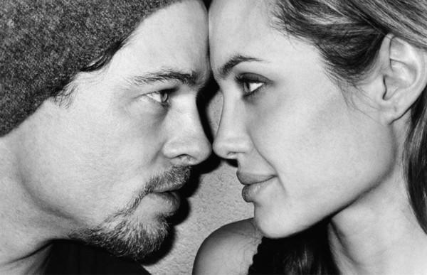 Angelina cho biết cô may mắn vì có được Brad Pitt trong cuộc đời vì anh là nguồn động viên tinh thần to lớn để cô vượt qua bệnh tật và biết trân trọng gia đình hơn.