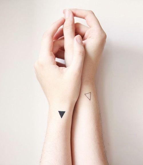 Cổ tay là một vị trí vô cùng gợi cảm để xăm hình.