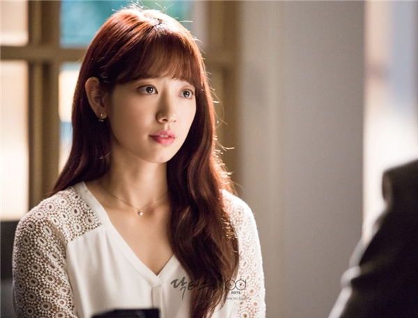 Park Shin Hye nói gì khi Doctors được so với Hậu duệ Mặt Trời?