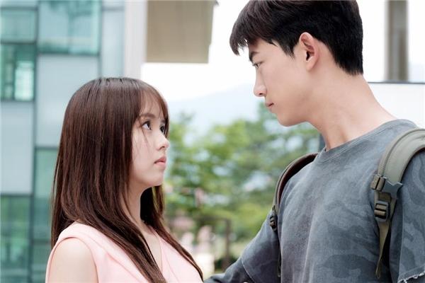 Cuối cùng, ma nữ Kim So Hyun cũng cưa đổ pháp sư Taecyeon