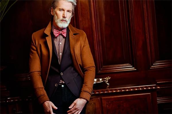 """Shaw luôn luôn """"chuẩn đến từng milimet"""" trong mọi trang phục mà ông diện."""